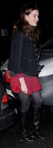 Anne%20Hathaway%20in%20pantyhose%20(41)