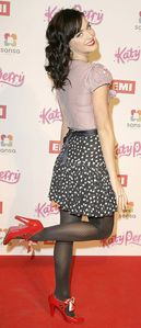 Katy%20Perry%20in%20pantyhose%20(25)