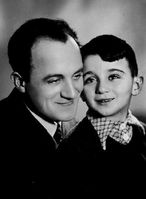 Emanuel Ringelblum with his son