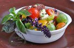 Saladetomatesbasilicmozzalogo