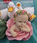 Les mystères de la vie: les filles naissent-elles dans les roses?