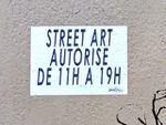 Street-art autorisé de 11h à 19h, message absurde