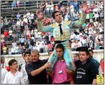 """...... RETOUR SUR LA FERIA DE PENTECÔTE 2012 A NÎMES ... JAVIER CASTAÑO ... DES """"MIURA"""" ... DES BANDERILLEROS ... DES PICADORS ... QUE DU BONHEUR ... DU GRAND BONHEUR ... !"""