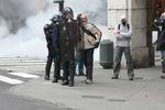 """[Manif Retraites]Policier-provocateur déguisé en """"jeune"""""""