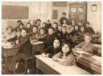 Photographies de classe de CM2 en 1970 à La Neuville Chant d'Oisel