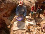 5 Lo que nos queda Multinacionales Matan en el Congo