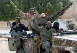 Libye: les rebelles reculent dans l'Est, tiennent bon à Misrata