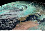 Pluies et vents du 11 au 14 novembre en France : la dépression vue par les satellites Meteosat et Envisat.