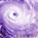 Cyclone Yasi : le fond de l'œil vu par Envisat et un retour en arrière sur la trajectoire vue par le satellite MTSAT