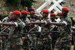 De la fronde au front: les bérets rouges de Bamako vont partir au combat