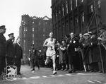 Boston Marathon (116 ed.). La maratona più vecchia del mondo si corre il 16 aprile e in contemporanea si festeggia il 125° anniversario della Boston Athletic Association