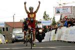 Guillaume Bonnet (EC Saint Etienne) vainqueur de la 2ème étape du Tour d'Auvergne et Flavien Dassonville (Big Mat Auber 93) leader au général.