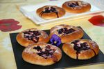 Blueberry buns (brioches aux myrtilles)