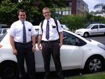 Nathan Milot et Evan Long, missionnaires mormons