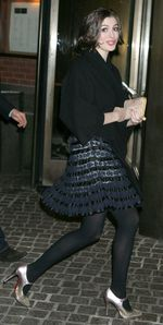 Anne%20Hathaway%20in%20pantyhose%20(49)