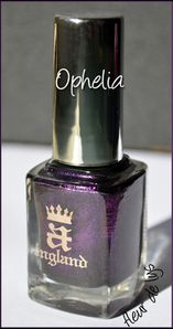 Vernis noir violet