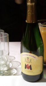 bouteille-champagne-m6.jpg