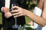 1097370_wine_and_bride-1-.jpg