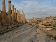 J2 - 22 Jerash - L'allée 4
