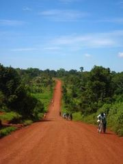 Sur-la-route--Jinja--Ouganda.jpg
