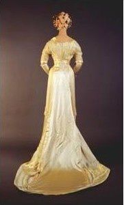 Example of Bella's wedding gown 3
