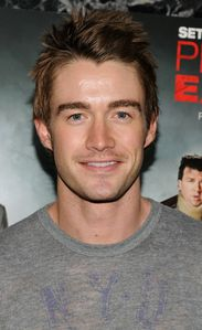 robert-buckley-photo.jpg
