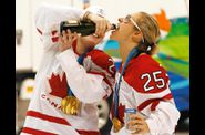 canadian womens hockey team celebration 05