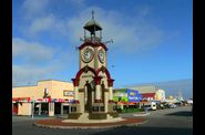 095-hokitika-rond-point-horloge.jpg