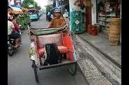 013-java-yogyakarta-becak.jpg