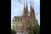 180px-Sagradafamilia-overview.jpg