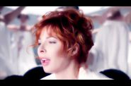 1639 2011-07-12-19-48-18 mylenefarmer-lonelylisa-clip-00075