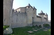 Les-Remparts-et-Chateau-Comtal