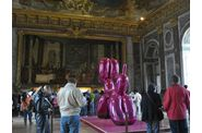 Versailles-Koons-Balloon-dog-1.jpg