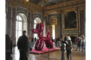 Versailles-Koons-Balloon-dog-8.jpg