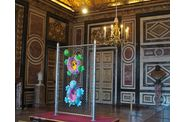 Versailles-Koons-Chainlink-salle-gardes-.jpg