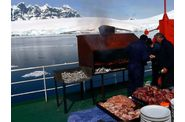 091-antarctique-port-lockroy-barbecue.jpg