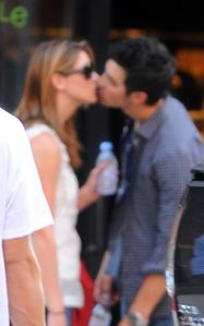 ashley greene kissing joe jonas 1
