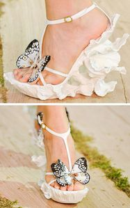 mcqueen-butterfly-shoes1-640x1024.jpg