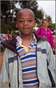 enfant de l'orphelinat de Karatu
