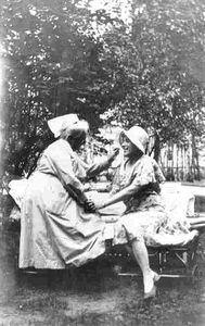 Einar2-Lily-Elbe--Einar-Wegener--with-her-nurse-after-the-o.jpg