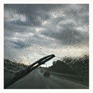 Roger Lainé - Sous la pluie