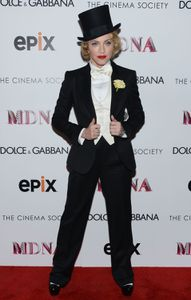 20130619-pictures-madonna-mdna-tour-premiere-scree-copie-23.jpg