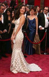 marion-cotillard-robe-gaultier.jpg
