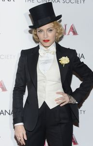 20130619-pictures-madonna-mdna-tour-premiere-scree-copie-5.jpg