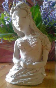 Portrait de femme : Vulnérable buste modelage d'argile 2 F. Claire - Claire Frelon artiste peintre professionnel en Morbihan - Bretagne - France - galerie de peinture