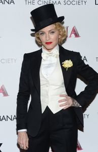 20130619-pictures-madonna-mdna-tour-premiere-scree-copie-17.jpg