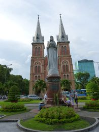 Oh Chi Minh - Notre Dame (01)