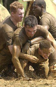 Marines-US-dans-la-boue.jpg