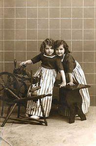 1913girls2spin