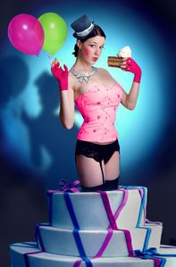 Pop_Up_Cake_Girl_by_parampam.jpg